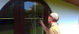 Mytí a čištění oken v domácnostech Brno