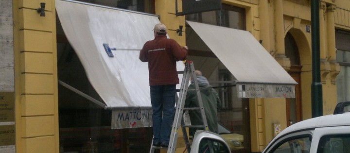 Čištění látkových markýz v Praze