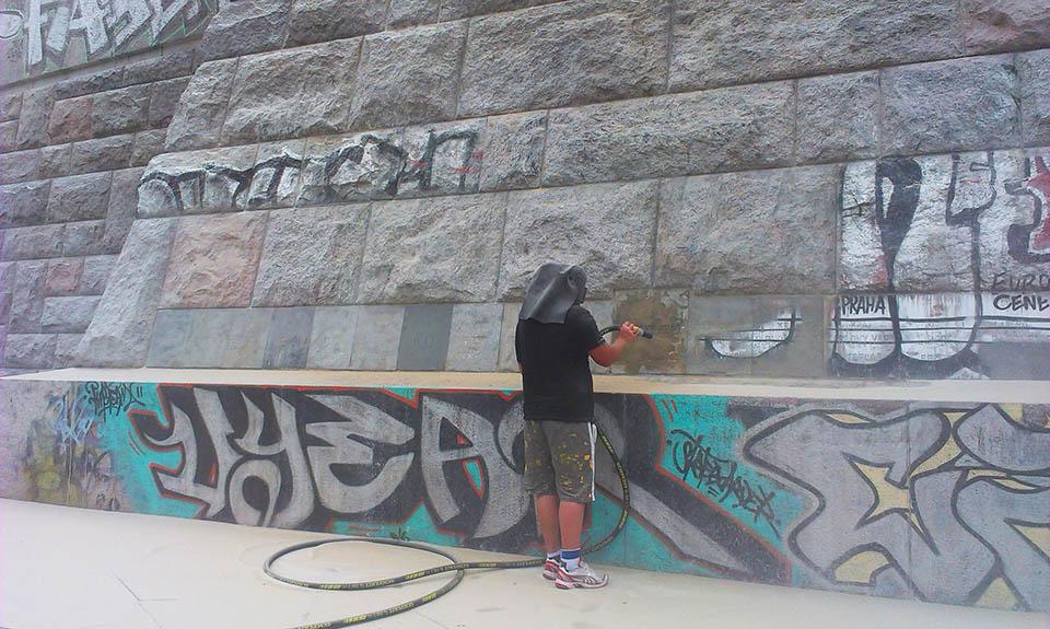Tryskání, pískování graffity Praha